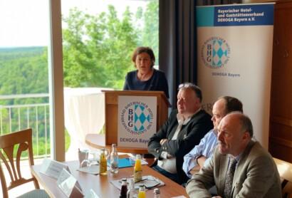 DEHOGA Bezirksdelegiertenkonferenz Niederbayern auf Burg Randeck