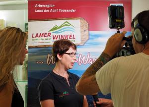 Christine Vogl präsentiert die Region Lamer Winkel