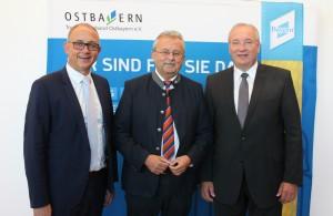 Präsident Josef Laumer mit stv. Präsident Franz Löffler und Vorstand Dr. Michael Braun