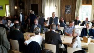 Gäste- und Ehrenkreis zur Eröffnung