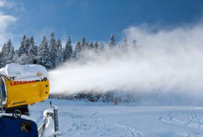 Wasser, Energie und Schnee im Skigebiet – Flyer zum Thema Beschneiung