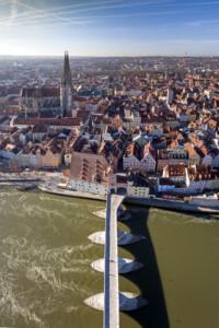 UNESCO Welterbe Regesburg mit Steinerner Brücke