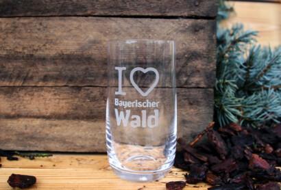 """NEU: Gläser mit Gravur """"I ♥ Bayerischer Wald"""" im Shop von JOSKA Kristall."""