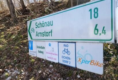 Beschilderung der Erlebnisradtouren im Bayerischen Golf- und Thermenland hat begonnen