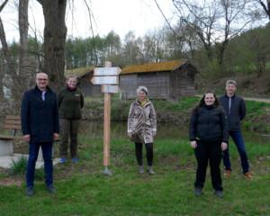 Die Neubeschilderung der Wanderwege im Landkreis Schwandorf geht weiter.