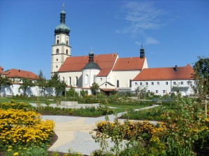 Klostergarten Neukirchen beim Hl. Blut