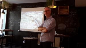 Gerhard Illig beim Vortrag